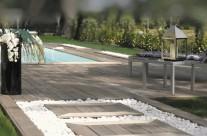 Aire de repos autour d'une piscine