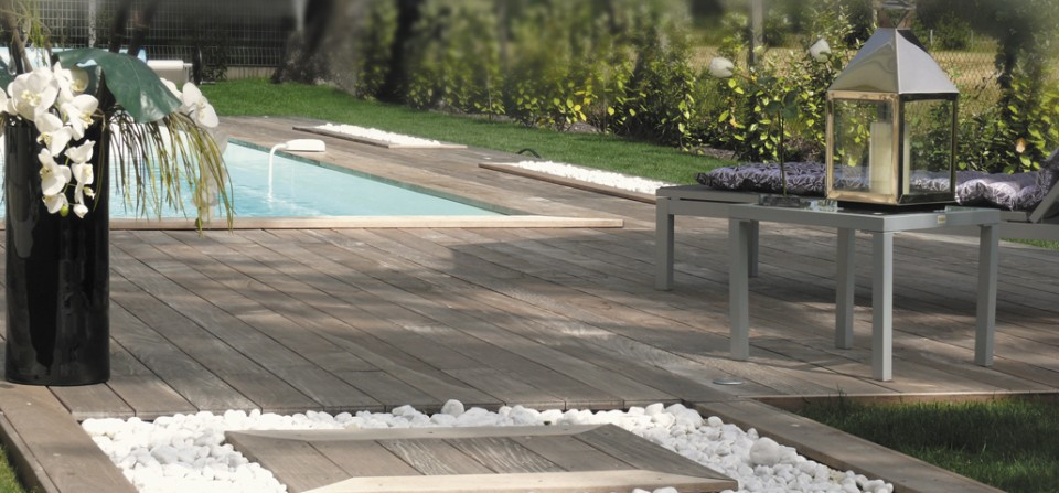 Aire de repos autour d une piscine - Pourtour de piscine ...