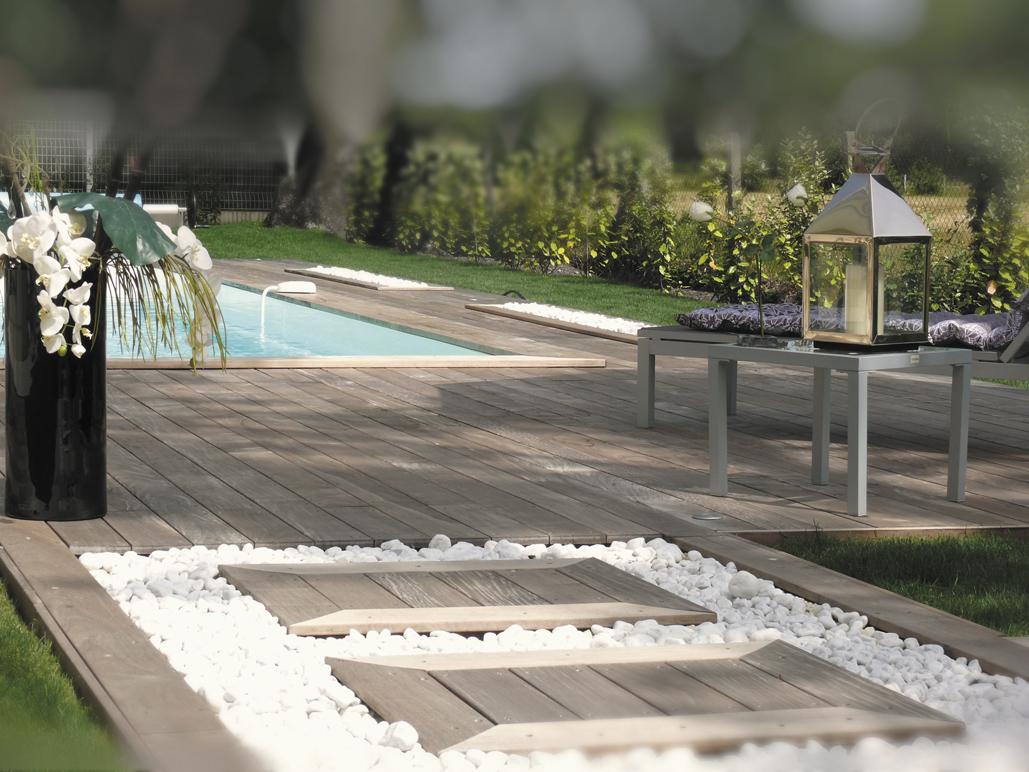 Aire de repos autour d\'une piscine | élégance-intérieure